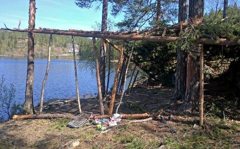 SØPPEL 2: Dette kom Hans Christian Helle over under en tur ved Kjennerudvannet.