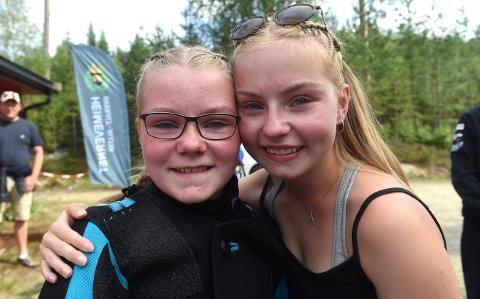 STOLT STORESØSTER: I fjoir vant Sara Kristine Havik Johnsen (t.h.) eldre rekruttfinalen på Landsskytterstevnet. Mandag siukret lillesøster Elisabeth seg skive to i rekruttfinalen onsdag.