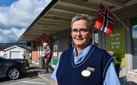Rigmor Olsen ved Joker Risteigen fikk nei til å kjøre alkohol sammen med andre varer hjem til folk.