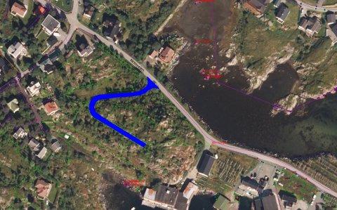 Denne sideveien til Moloveien på Ballstad kan få navnet Utsikten i tråd med reguleringsplanen. Ett hus er foreløpig bygd i denne veien.