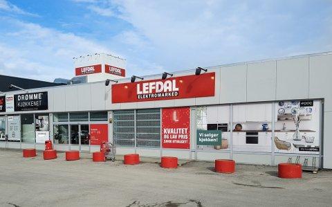 BLIR TIL ELKJØP: Alle Lefdal-butikkene legger nå ned, og blir til Elkjøp. Det skal ikke medføre praktiske endringer for kundene, sier Elkjøp-direktør.