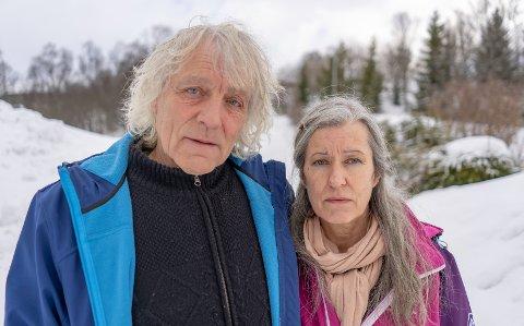VIL IKKE LA SEG GJØRE: Leif og Siw Rubach sier det ikke vil være mulig å gjenreise Senjatrollet.