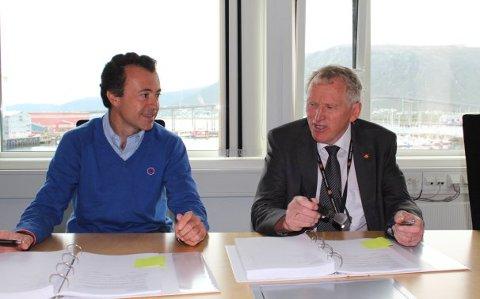 Regionvegsjef Torbjørn Naimak og Iñigo Núñez Blanco i OSSA signerte kontrakten 28. august 2014. Et halvt år senere var det ikke like god stemning. Kontrakten med OSSA ble sagt opp. Foto: Torild Heimdal / Statens vegvesen