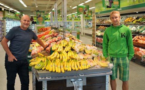 Forberedelser til sesongstarten i 3. divisjon har vært annerledes enn Thomas Løkken (t.h) og pappa og sponsor Tom hadde forestilt seg etter fjorårets opprykk for FK Toten.