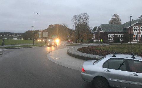 KØ: Køen strekker seg helt fra rundkjøringen ved NMBU og ut til E6 ved Korsegården.
