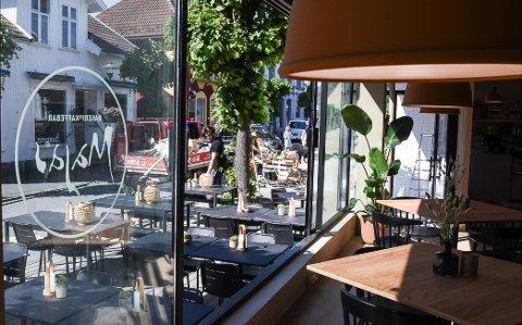 STENGT: Majas bakeri og kaffebar i Stavern er nå stengt etter at en ansatt i bedriften har blitt testet positivt på koronavirus.