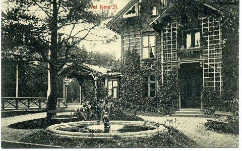 HISTORIER FRA ÅMOT: Dette bildet er et postkort fra Rena stasjon, og eies av Anne Berit Bakke Strand.