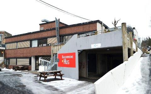 ÅPNES: Ungdommens hus og idrettshallene i Elverum kan åpne igjen etter to ukers nedstenging.