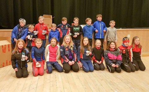 Skiskyting Hattfjelldal Rekruttene fra alle klubbene samlet etter premieutdelingen