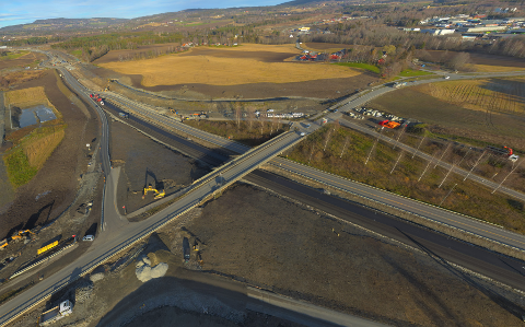 BLIR STENGT: Arnkvernkrysset i Furnes blir stengt fra og med natt til mandag 4. november. Lokalvegen, fylkesveg 66, blir også stengt på stedet. Gjennomgangstrafikken på E6 blir ikke påvirket.
