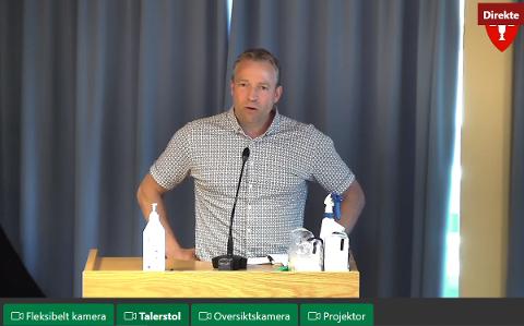 FOR SENT: Ordfører Morten Lafton (Ap) kom en time for sent til kommunestyrets møte, men han hadde god fraværsgrunn: Vaksinering.