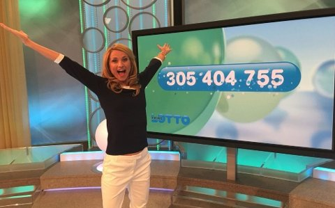 GLEDE: I august fikk et andelslag på 10 nordmenn vite at de delte potten på 305 millioner kroner! For en dag. Foto: Kjersti Skåret/Norsk Tipping