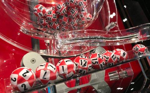 TALL-LYKKE: Lotto-rekka til 31-åringen ble trukket ut som ekstravinner av en million kroner. Foto. Norsk Tipping