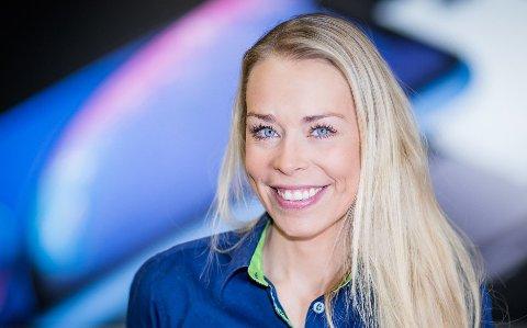 LEVER INN SØPLA: - Vi anbefaler kundene våre å komme innom oss med el-avfall i våre åpningstider, slik at produktene blir behandlet og materialene kan gjenbrukes, sier Madeleine Schøyen Bergly, kommunikasjonssjef i Elkjøp.