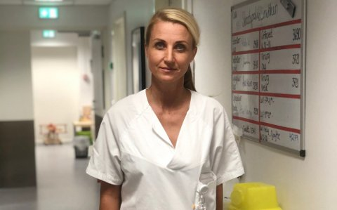 KLAR BESKJED: Seksjonsoverlege på akuttmedisinsk avdeling ved Sørlandet sykehus, Benedicte Severinsen, er tydelig på at alle som føler seg forkjølet må holde seg unna andre. Foto: Privat