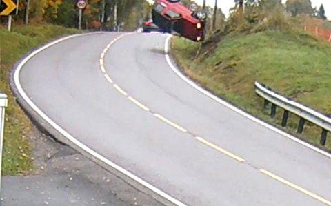 TOK AV: Claus Selle fikk denne utforkjøringen på video lørdag ettermiddag.
