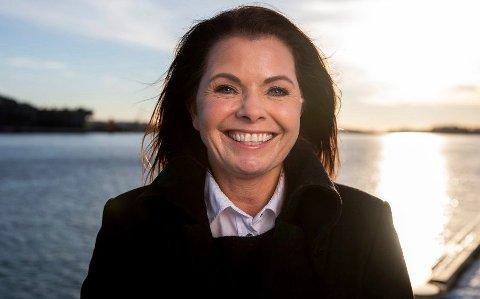 SOOOL: Bente Wahl forteller at innbyggere på halvøya kan glede seg over været de neste dagene.