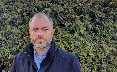NY JOBB: Henning Aarset fra Spikkestad er ny direktør for kommunikasjon og samfunnskontakt i Vestre Viken HF, og starter i jobben 1. august.