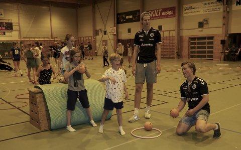 Ballferdigheter: Sirkeltrening ga de fremmøtte barna mulighet til å vise ballferdigheter  på flere plan. Alle foto: Svein-Ivar Pedersen