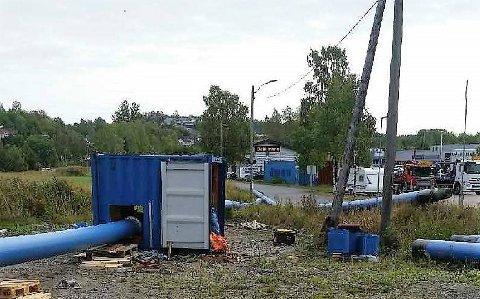 STENGES: Kommunen holder på å utbedre hovedvannledningen på Gjekstad. Da må vanne stenges av.