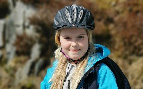 TRENG LYS: Selma Tangen Kyllesø (8) har ein klar beskjed til kommunen.