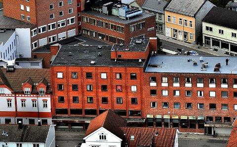 Flyfoto, Sarpsborg sentrum, Glengsgata, meierigården, Tårnbygget, Sparebankgården