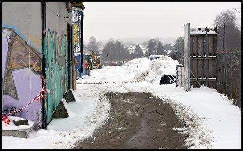 NY INNGANG: Bortesupportere må benytte seg av den nye inngangen via kunstisen på Sarpsborg stadion.