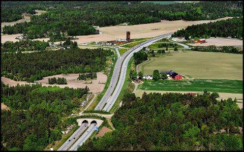 ARBEID: Veitrafikksentralen skal utføre veiarbeid på E6 ved Solbergkrysset i natt.