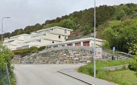Like ved krysset Risaberg Terrasse starter 30-sonen i dag. Nå kan hele Risabergvegen fra innkjørselen ved Schlumberger bli 30-sone.