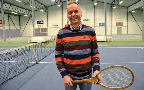 Audun Kleven, styreleder i Svelvik tennisklubb er veldig glad for nominasjonene til Vestfold Idrettsgalla.