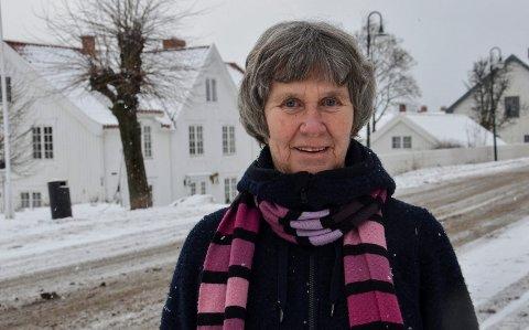 SER BEHOV: Kristin Herskedal er frivillig og hjelper stadig flyktninger i Svelvik med stort og smått.