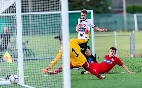 I MÅL: Flints Sander Næss scorer mot TFK