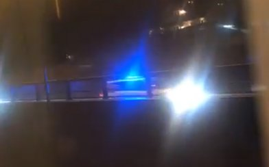 POLITIJAKT: Her følger politiet etter bilen gjennom Sem.