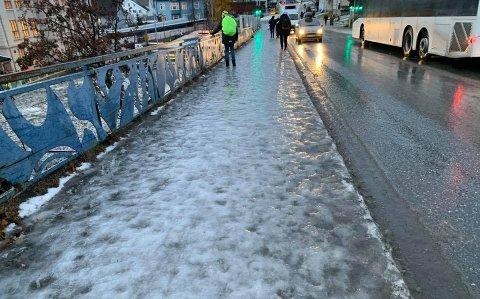 HÅLKE: Blank is møtte fotgjengere i Tromsø onsdag morgen.