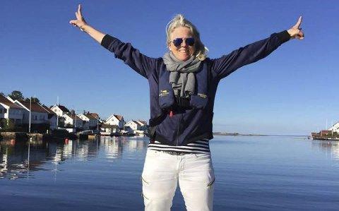 Trives i aktivitet: Tvedestrandsdamen Brit Marcussen trives best når hun kan være i aktivitet. I sommer blir det fem netter i telt under innspillingen av minutt for minutt med Lars Monsen på NRK. Foto: privat