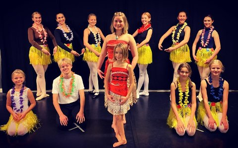 Vaiana: Her er danserne på DDD dansestudio i årets kostymer.