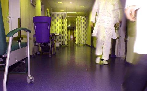 Pasienten tok kontakt med sykehuset, men insisterte på at opplysningene ikke måtte deles med noen. Til tross for dette ble opplysningene  delt med flere.