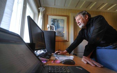 VISER INTERVJUER: Jørn Svendsen i Vestby Historielag har redigert flere filmintervjuer av lokale folk.