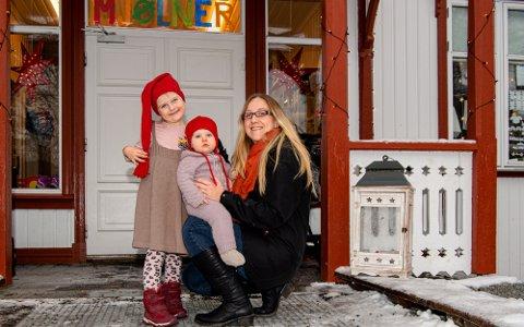 GLADE FOR AT BARNEHAGEN REDDES: Malin Grønli Kristofferen (5 1/2 år), Lilly Grønli Kristoffersen (10 mnd.) og mamma Ida Grønli.
