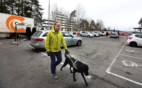 Kjent rute: Erik og Hilus har veien til jobben på Østeråsklinikken memorisert.