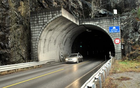 Gyltunnelen stenges ei natt denne uka.