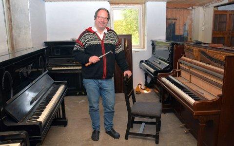Pianomannen: Wermer Roland har verkstedet i kjelleren.