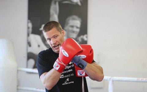 SKADET: Kai Robin Havnaa fikk trommehinnen på venstre øre sprukket i lørdagens kamp i Horsens.