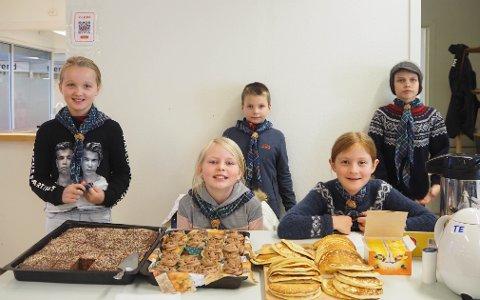 Maiken P. Tvedt (9), Frida Buene Fjell (9), Elida Urdal (10), Johan Fjellanger Knarvik (7) og Tor Atle Kolaas (11) var blant barna frå speidaren som var med å drive kafeen.