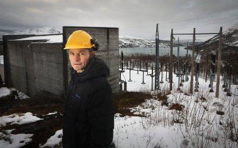 Roald Amundsen ved Siso-anlegget i Sørfold. Han forteller at hele selskapet er preget etter dødsskredet tirsdag.