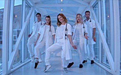 SLO AN: Videoen med legestudentene på UNN har nådd 1,3 millioner visninger.