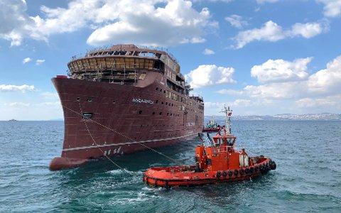 Lørdag fikk to av Havilas nye kystruteskip sjøvann under kjølen i Tyrkia.
