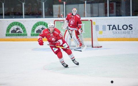 Daniel Karlsen Stensrud var en av flere Bergen-spillere som måtte få hjelp for å klare seg økonomisk da lønningene fra Bergen Hockey uteble – og arbeidet i BIK Bemanning tilsynelatende ikke strakk til. Han var en av seks spillere som dro i januar. (Arkivfoto: Emil W. Breistein)