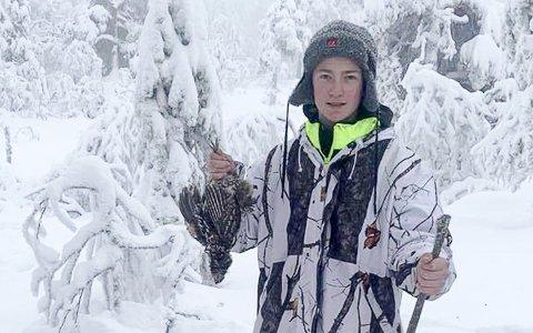 UNG JEGER: Petter Halvorsen var tilfreds med jaktturen som viste seg å bli helt spesiell.