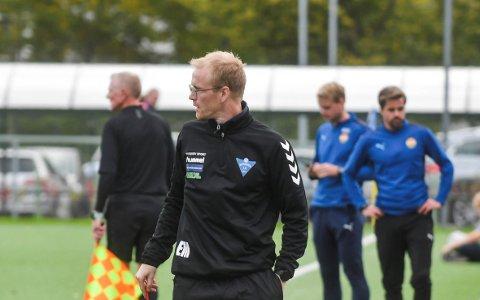 FORTSETTER: Erik Midtgarden har vært midlertidig hovedtrener for Åssidens herrelag i 3. divisjon denne sesongen.